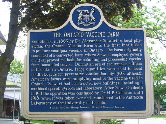 Photo of the Ontario Heritage Foundation plaque erected at the site of the Ontario Vaccine Farm in Palmerston, telling its story of smallpox vaccine production and ultimate transfer to the University of Toronto's Antitoxin Laboratory in 1916.