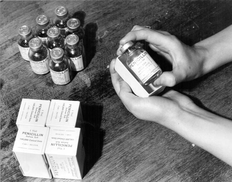 Final packages of Connaught's penicillin in 1944, ready for shipment.