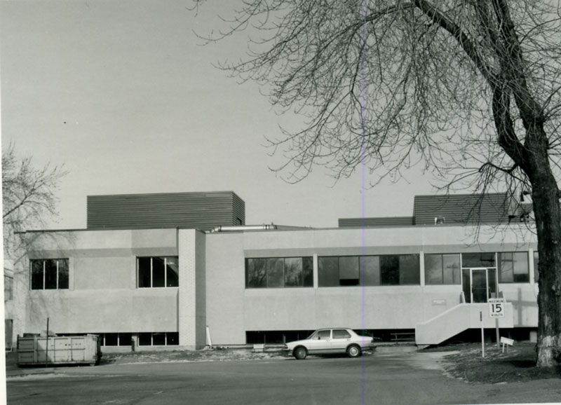 Building 90 after its completion in 1973.